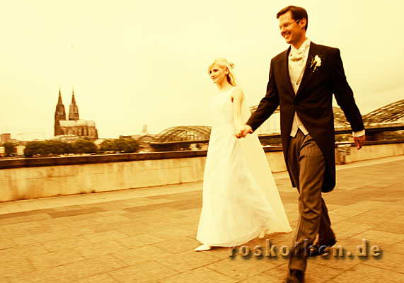 © Roskothen Wedding Photographer Germany Weddingphotos Cologne Köln Rhein Dom Duesseldorf