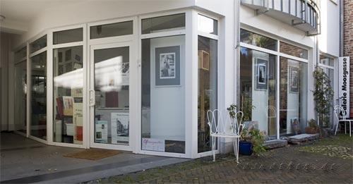 Fotoausstellung im Atelier-Moosgasse Außenansicht Kunst Fotokunst Roskothen