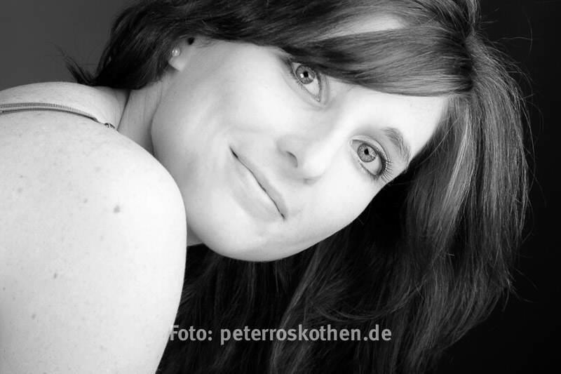 Portraits Fotograf Fotostudio schwarz weiss Portraitfotos