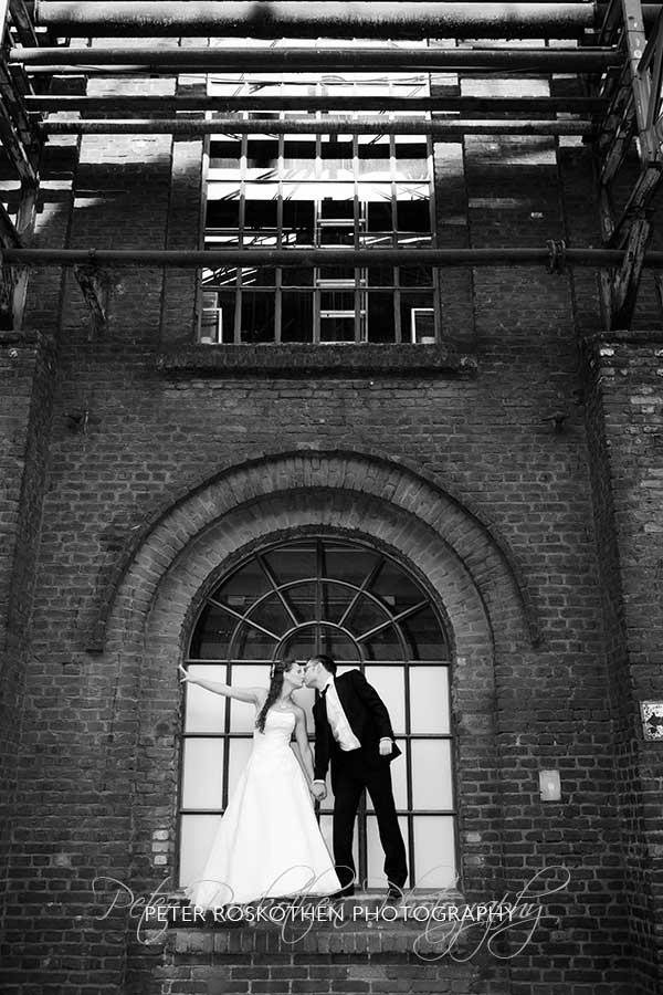 Besondere Hochzeitsfotos Duisburg Fotograf Peter Roskothen Trash-Your-Dress