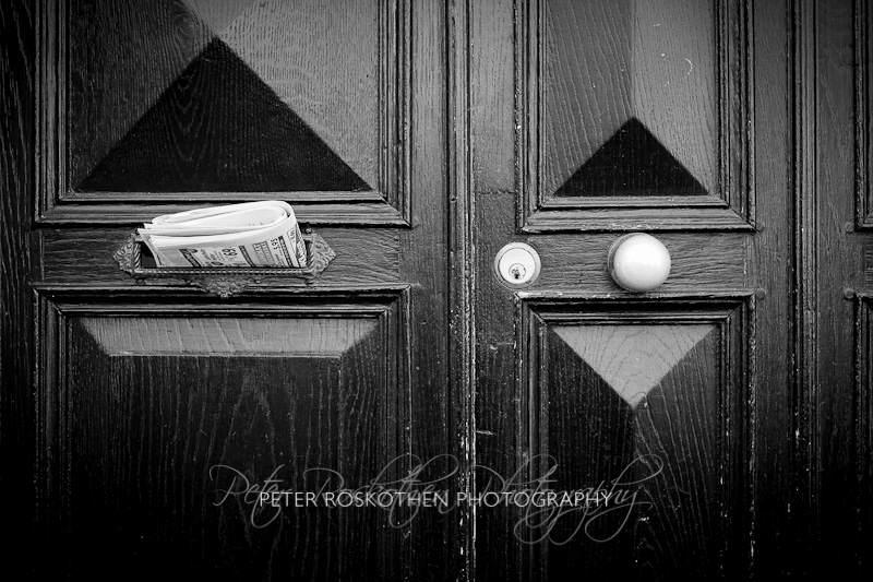 "schwarz weiss Fotografie ""Türe"" von Peter Roskothen Fotograf Fotokunst"