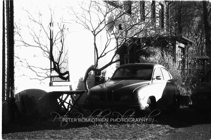 Der alte Saab - Infrarot Fotografie Peter Roskothen Fotograf
