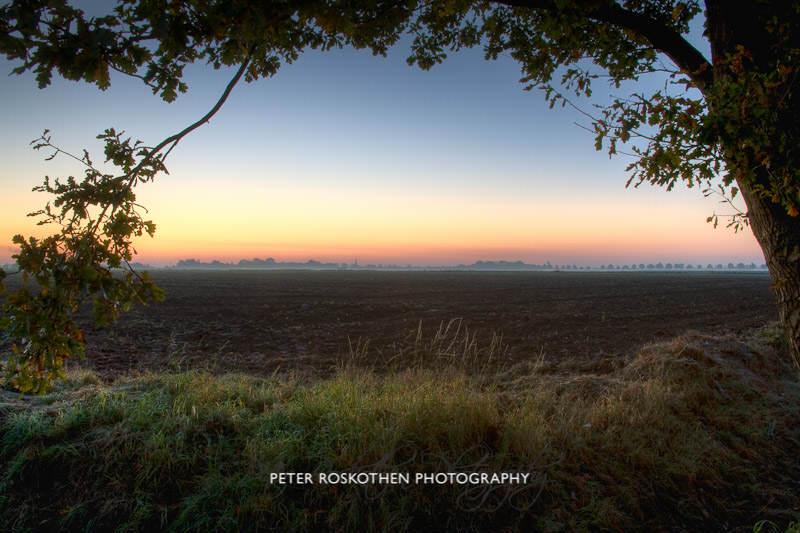 Sonnenaufgang am Niederrhein im Herbst Fotograf Peter Roskothen Fotoschulung Naturfotografie