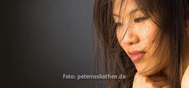 Portrait Frau Porträt, Portraits, Portraitfotos, Fotograf Peter Roskothen Fotostudio