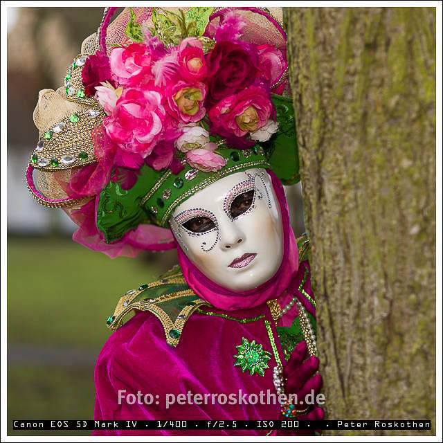 Masken in Brügge, Belgien, Begijnhof